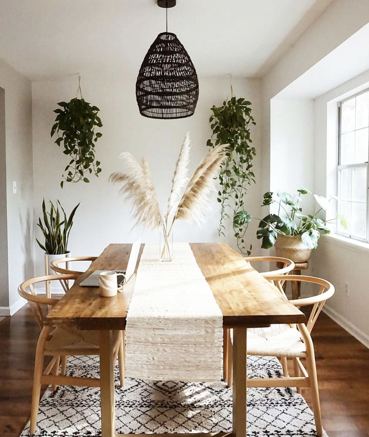 Pin by Laurence Al on For the Home in 17  Dining room table