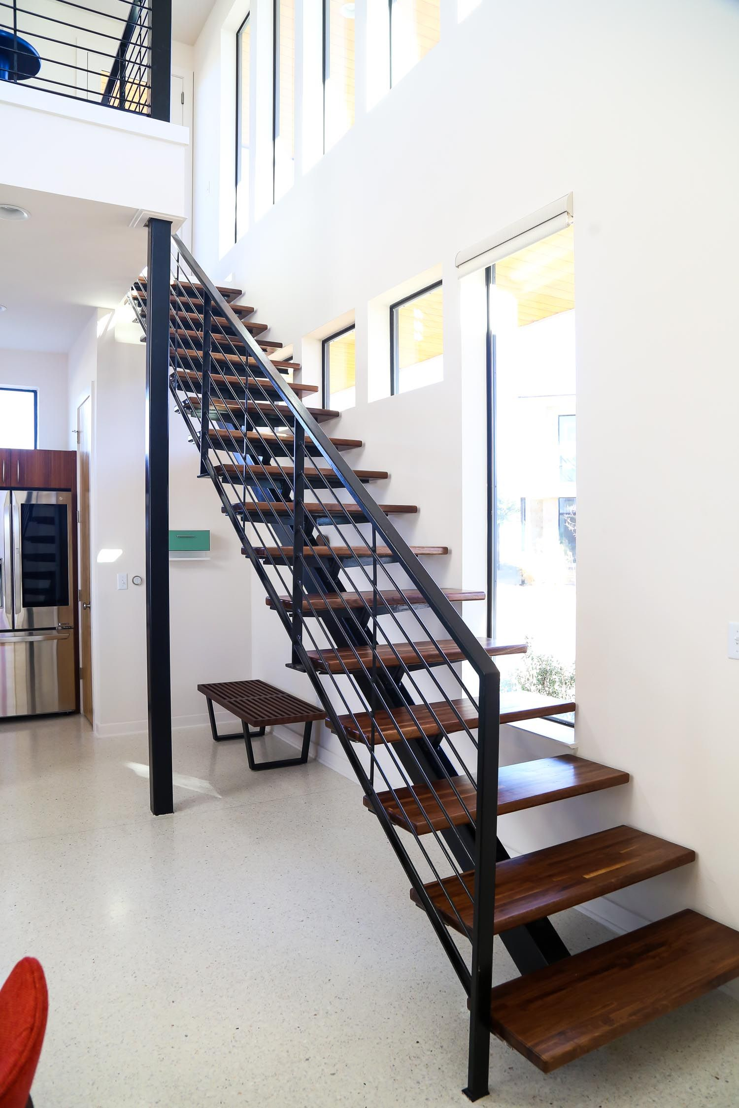 Gorgeous Open Staircase With Midcentury Modern Design Modern Staircase Modern Stairs Mid Century Modern House