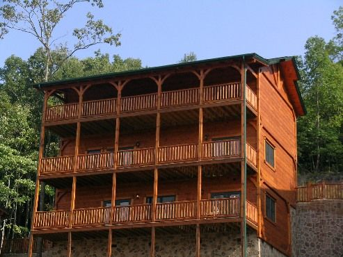 in located at cabins a bedroom rental gatlinburg sweet cabin