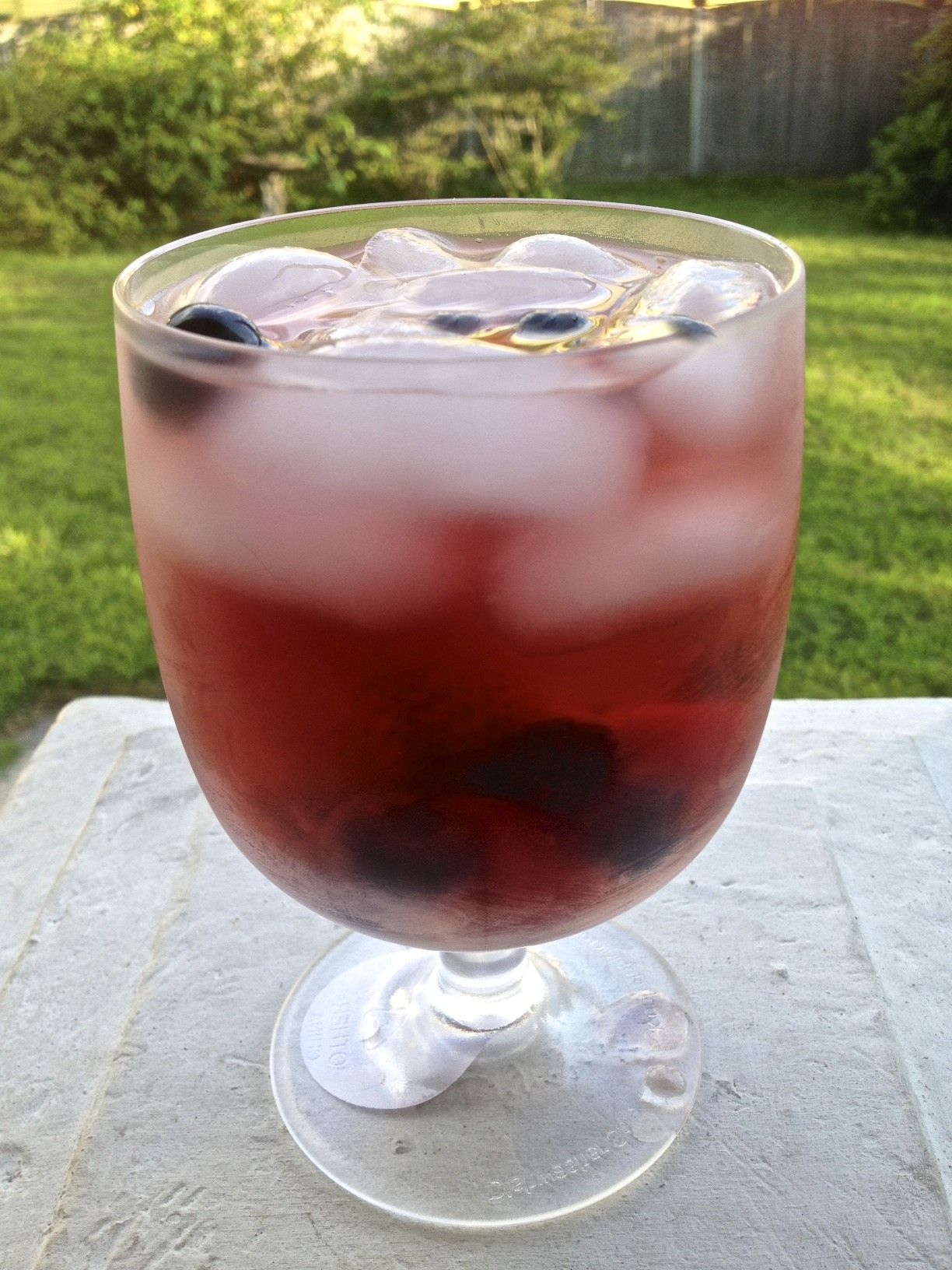 This Refreshing Wine Spritzer Is The Perfect Drink For A Hot Summer Day Party It Is Quick And Easy To Throw Wine Spritzer Wine Spritzer Recipe Perfect Drinks
