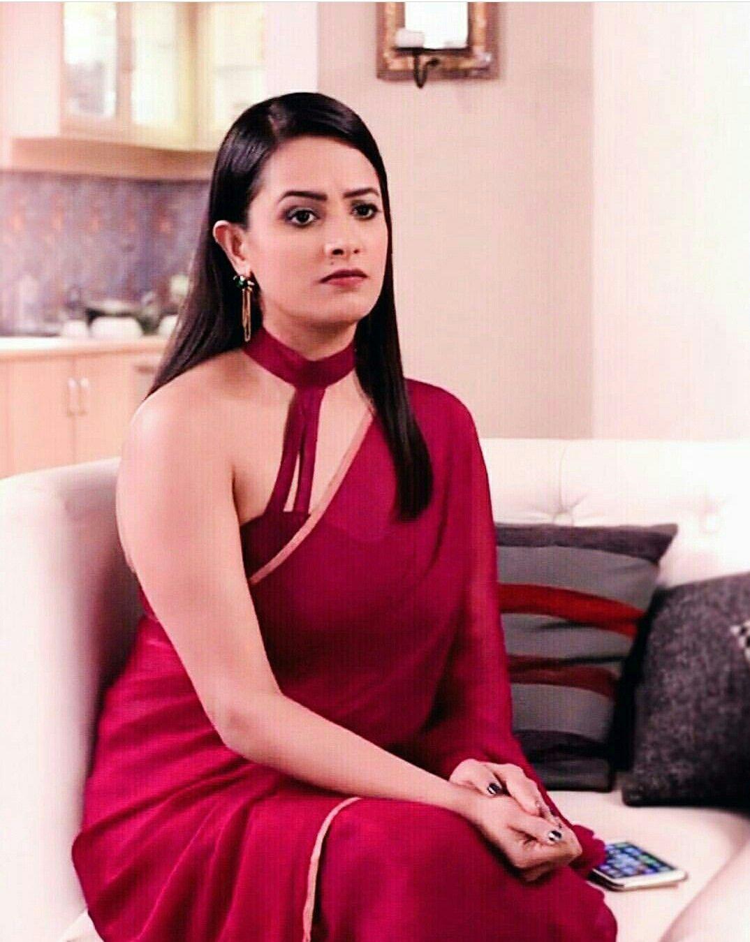 Women fashion saree anita saree red redsaree sarees women womenfashion fashion