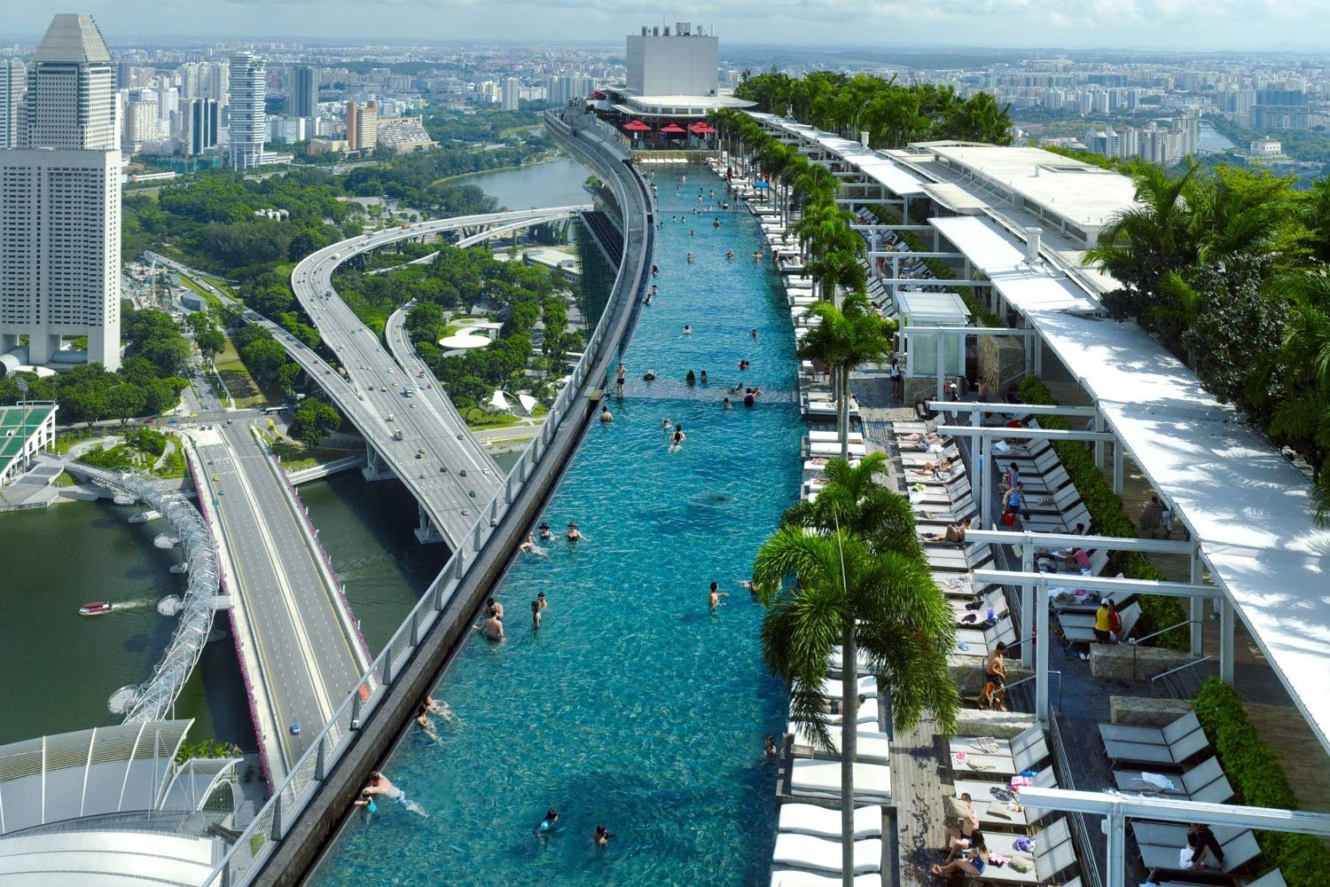 Marina Bay Sands Resort, infinity pool in Singapore... Click here http://tripfren.blogspot.com