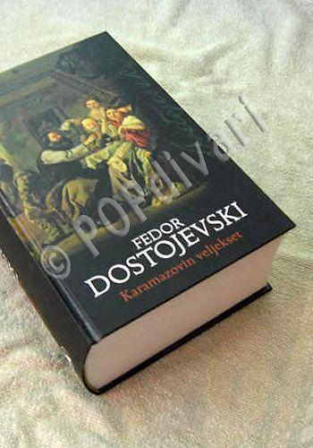 Dostojevski. Tiiliskivi. Vain Paavo Väyrynen puuttuu.