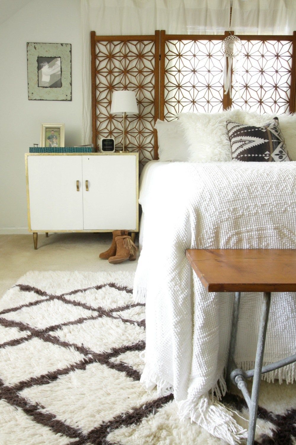 Vintage master bedroom decor  kilimpillowwhitewoodvintagebedroom  Eclectically Fall Home