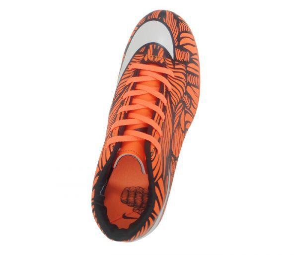 Chuteira Futsal Nike Hypervenom Phelon 2 Neymar Jr Laranja e Branco -  Cabedal confeccionado em material c85d2a3776f97
