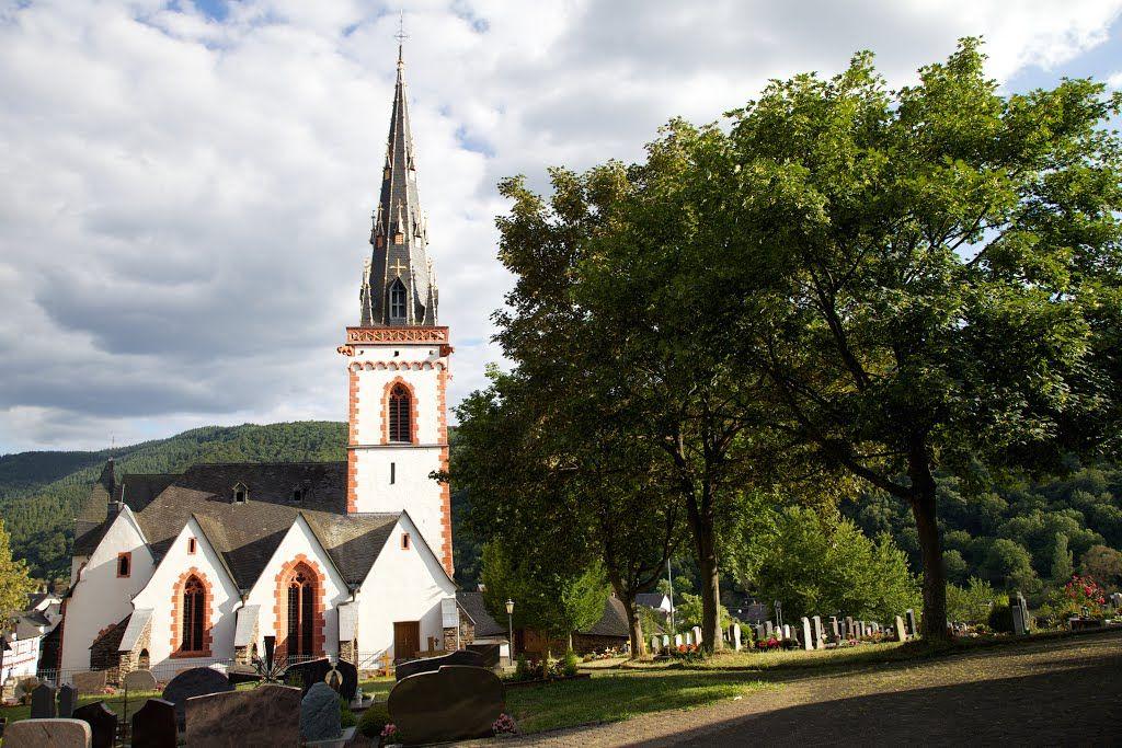 5. St. Martins Kirche, Ediger, Germany