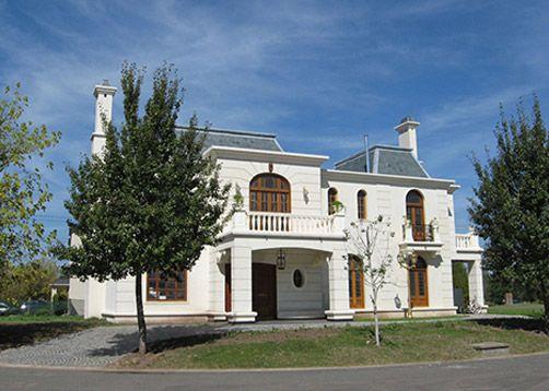 Mid arquitectura fachada facade pinterest casa for Casas estilo frances clasico