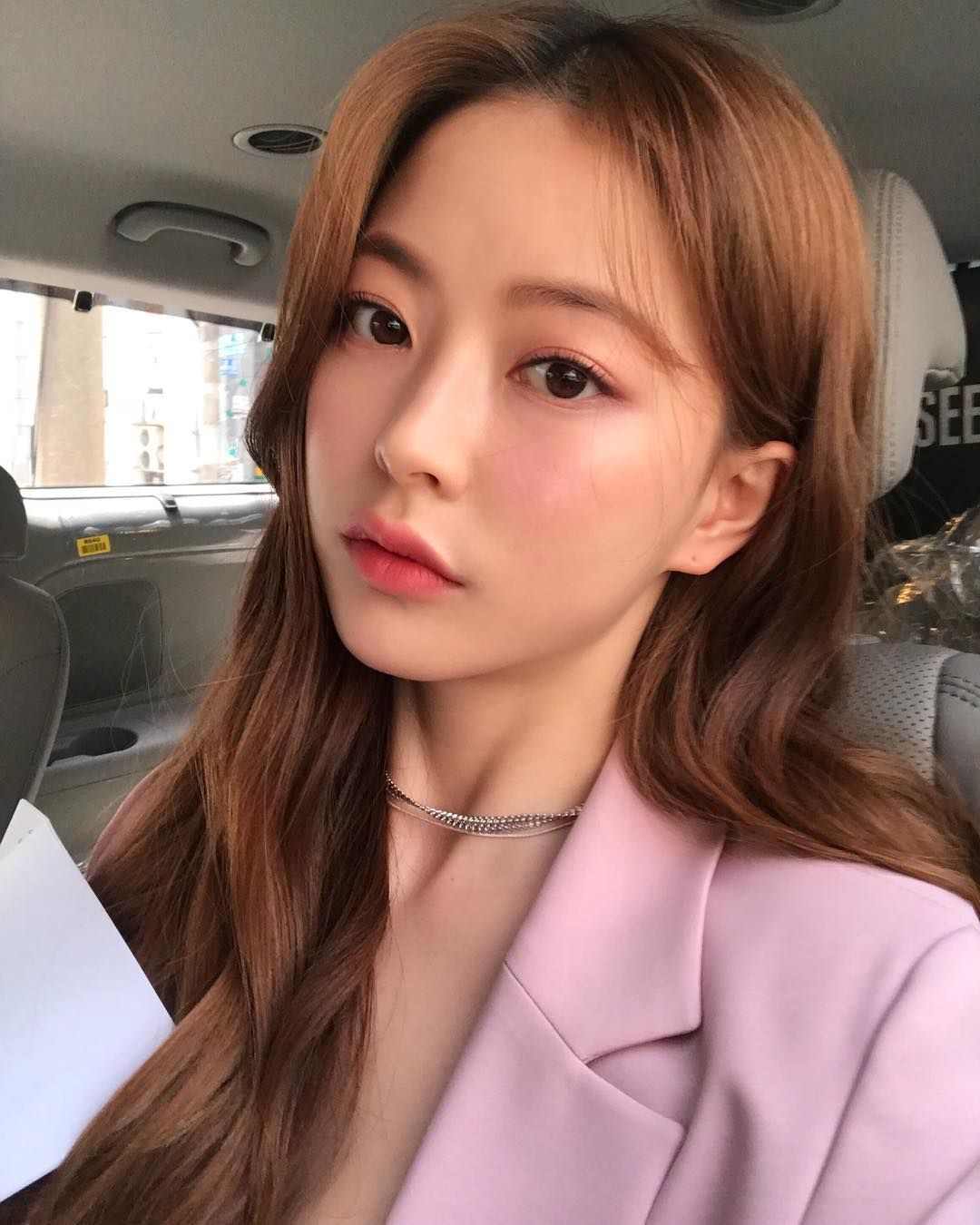 Instagram post by 임보라(boralim) • Apr 16, 2019 at 1233pm