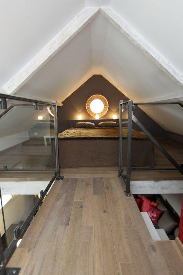 Une petite maison avec mezzanine | Maison, Idée combles et ...