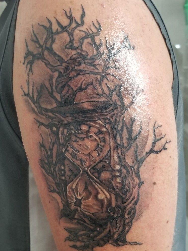 Hourglass tattoo | Hourglass\'s | Hourglass tattoo, Tattoos, Hourglass