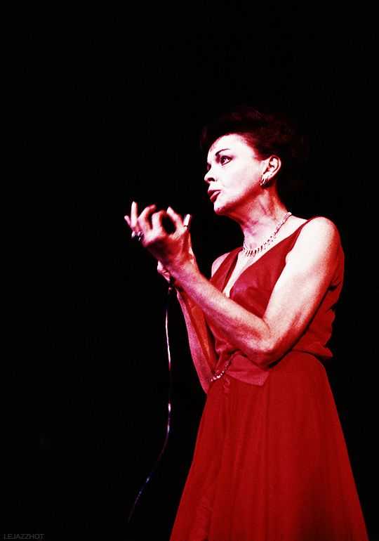 """""""Judy Garland performs at what would be her last concert in Copenhagen 136f68b61"""
