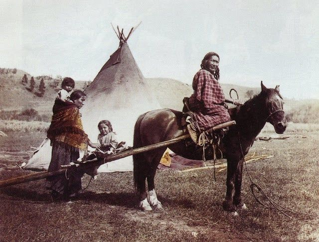 These 20 Color Photos of Native Americans in the Late 19th and Early 20th Centuries Are Just Outstanding