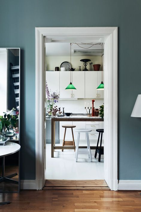 Ein tolles Blau an der Wand #KOLORAT #Wandfarbe #Wandgestaltung - kuche blaue wande