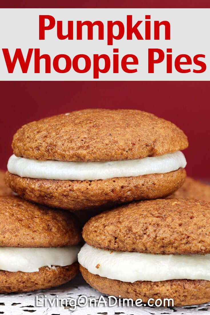 Easy Pumpkin Muffins Recipe - Pumpkin Whoopie Pies #pumpkinmuffins