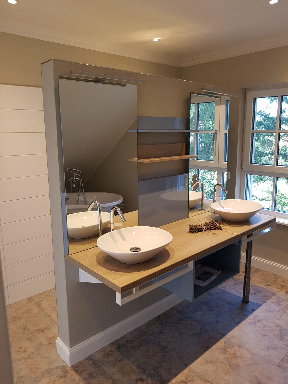 Tolles Badezimmer Mit 2 Waschbecken Nebeneinander Hier Ist Wirklich Genug Platz Um Sich Gleichzeitig Fertig Zu Machen Badezimmer Wohnen Haus