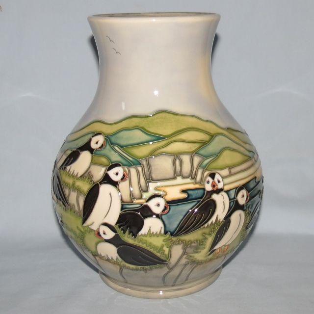 Moorcroft Puffins 8699 Vase Old Moorcroft Moorcroft Musings