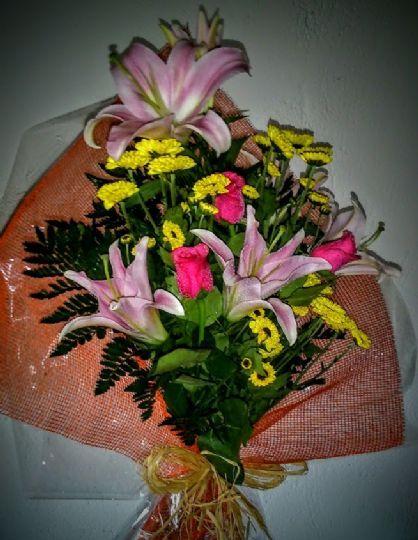 Env o de ramos de flores para regalar en madridanos la - Ramos para regalar ...