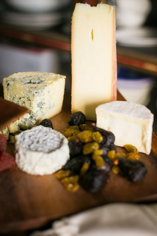 Domestic Cheese Board: A mix of textures and milks including goat, sheep, cow and a blue, all from some of America's best small producers // thanksgiving.whoanellycatering.com