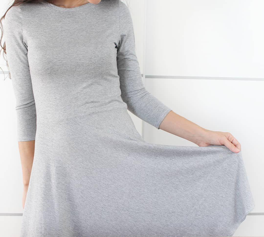 En El Blog Te Espero Con Este Vestido Tipo Skater Con Falda Semicircular Espero Que Te Guste Tienes El Link Del Paso A Paso Fashion High Neck Dress Dresses