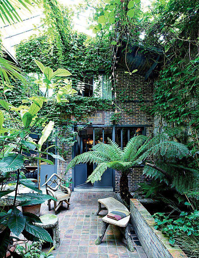 un patio int rieur aux ambiances m lang es pinterest patios parisien et am nagement. Black Bedroom Furniture Sets. Home Design Ideas