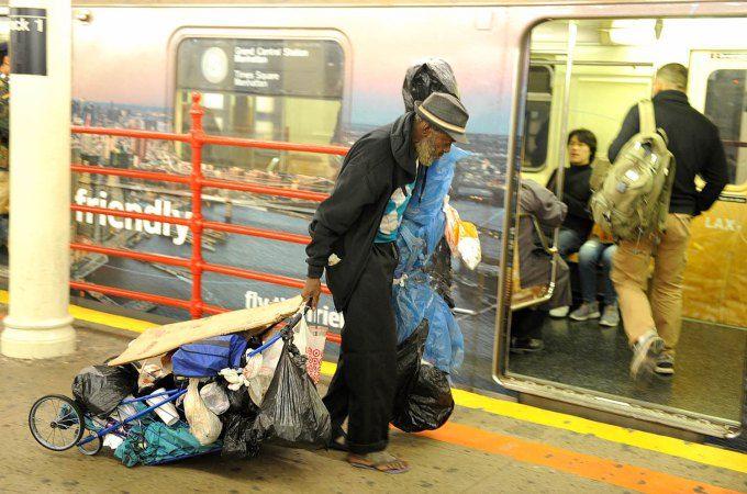 Beg Apple Subways Overrun With Homeless New York Post Homeless Homeless People Subway