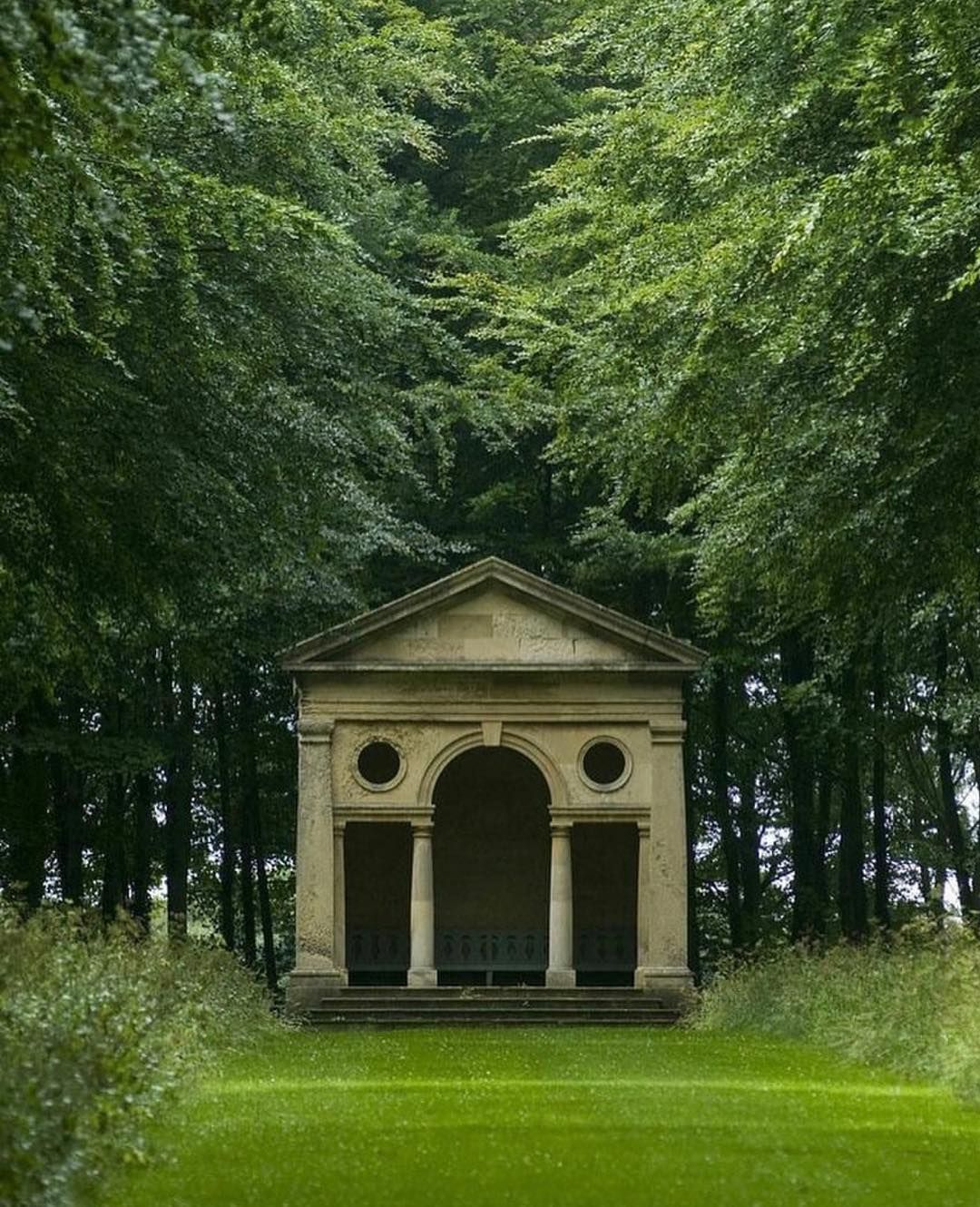 Wetherby, West Yorkshire, England.   Garden buildings ...