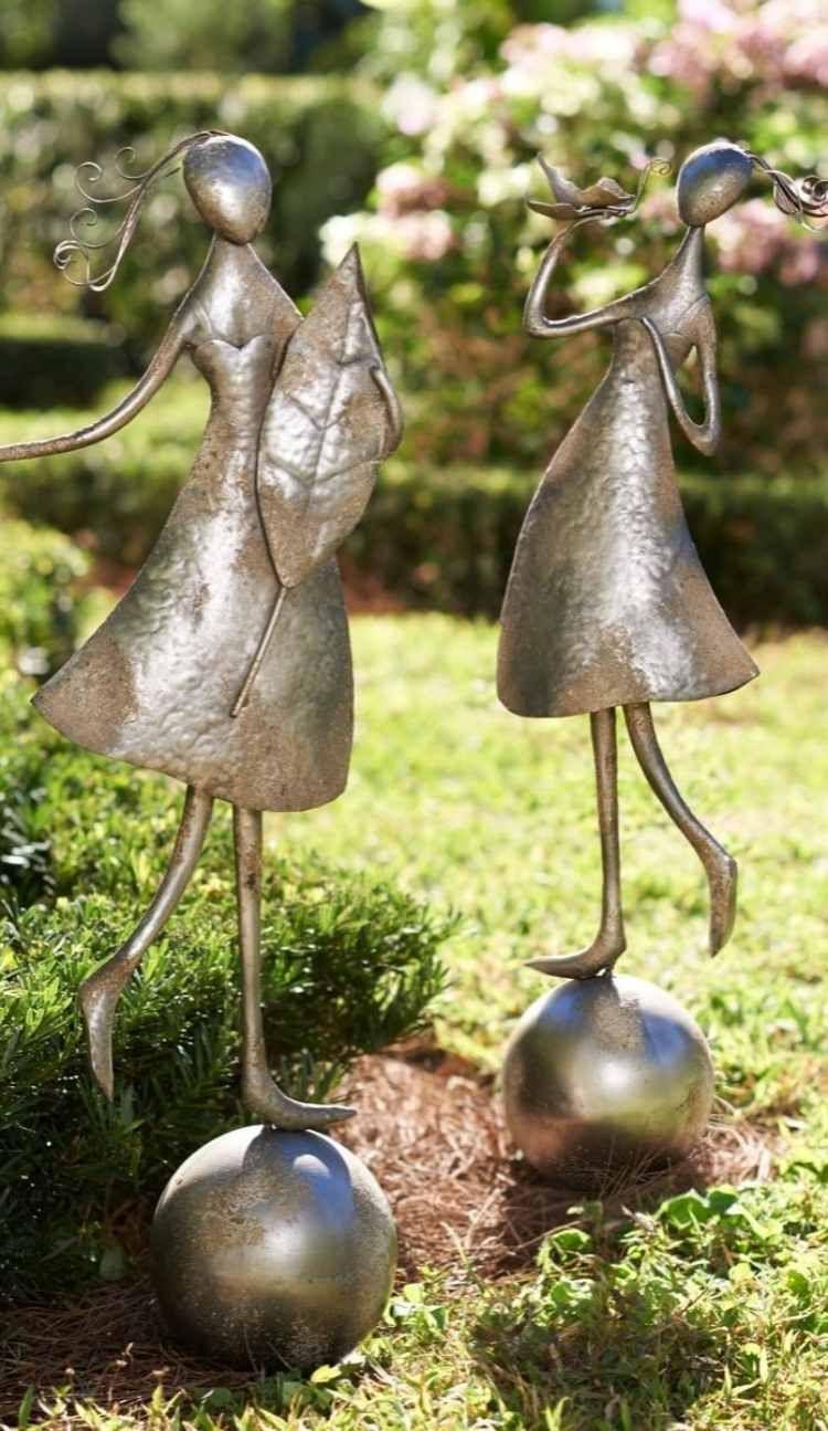 Fr hliche abstrakte figuren von m nnchen aus metall for Gartendeko aus metall