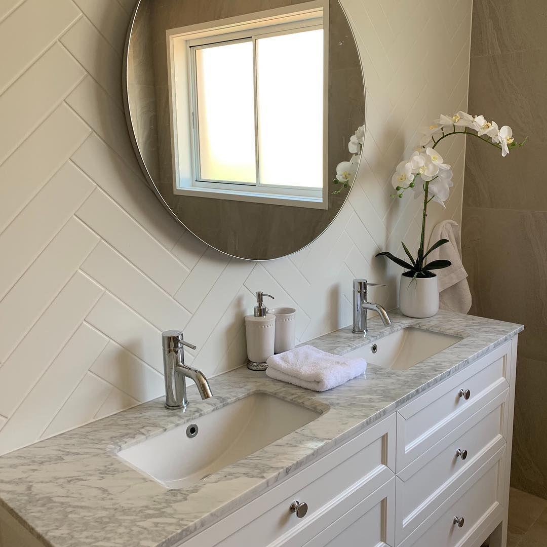 Vanity By Design On Instagram Gorgeous Customer Bathroom Featuring Our Hayley 1500 White Vanity White Vanity Vanity Traditional Bathroom Vanity