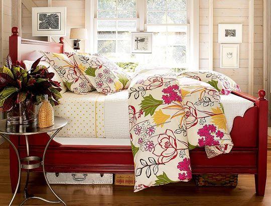 Pottery Barn\'s Priscilla Bed — Boston   Dormitorios pequeños, Pintar ...