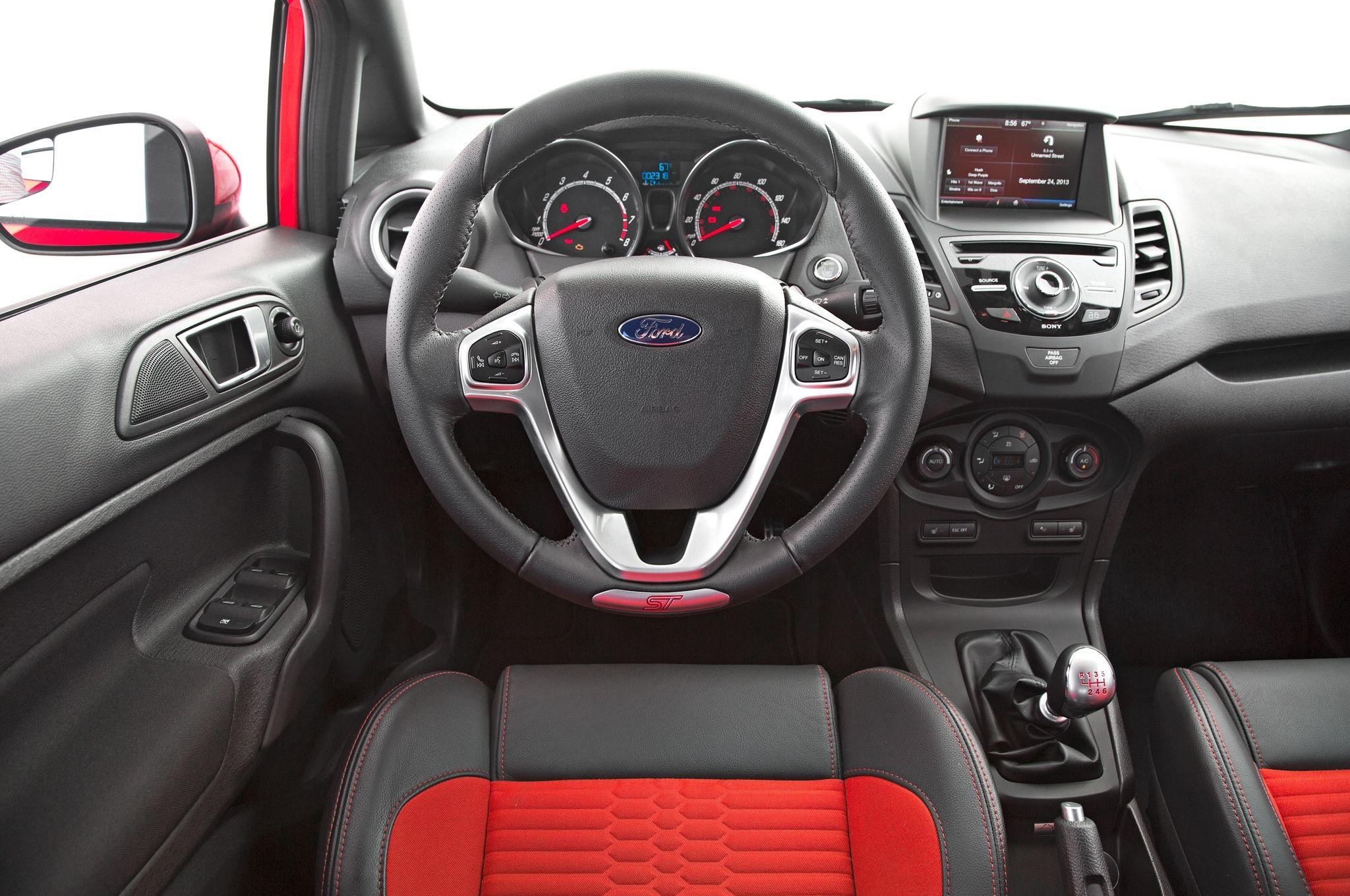 2014 ford fiesta st cockpit
