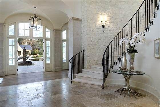 Decor Inspiration Kim Kardashian And Kanye West S Villa Grand Entryway Kardashian Home Kardashians House