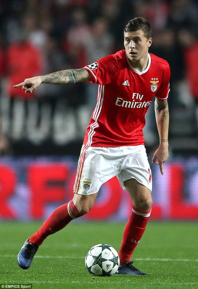 Profile Manchester United S 38m Target Victor Lindelof Manchester United Man United The Unit