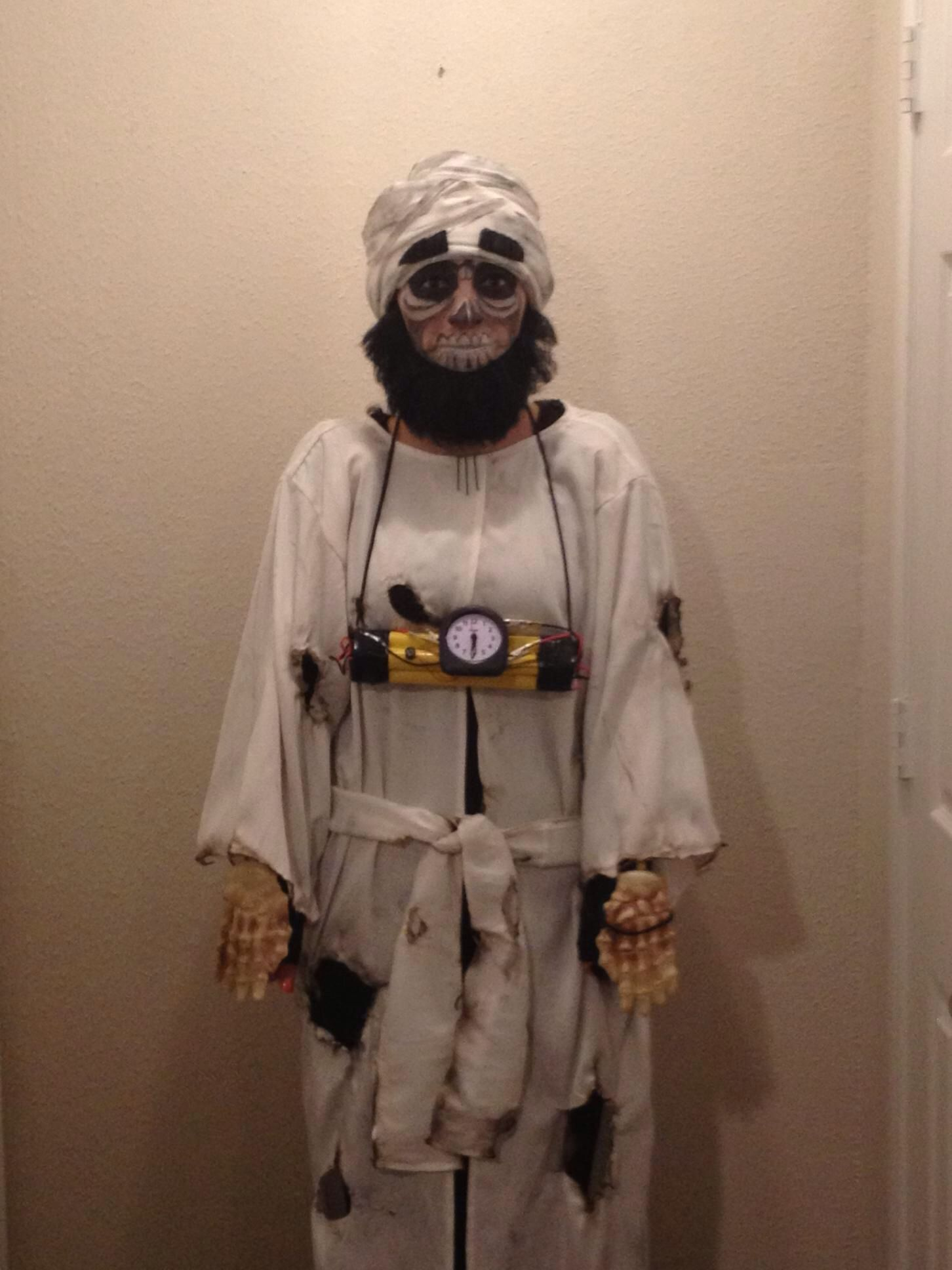 Achmed the dead terrorist halloween pinterest for Achmed the dead terrorist halloween decoration