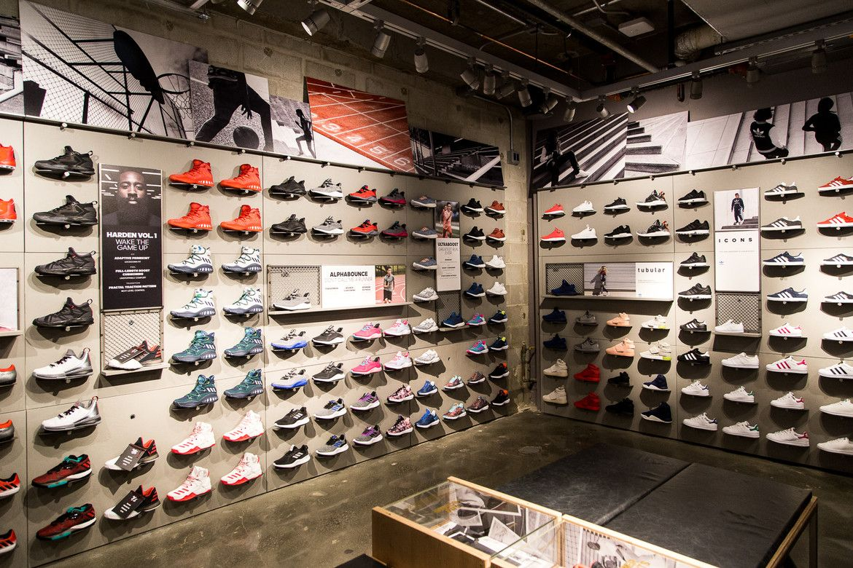 Adidas nyc, Shoe store