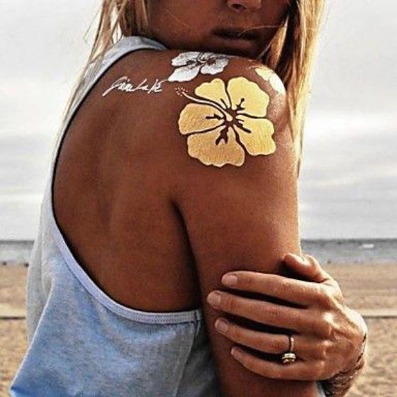 Shoulder golden and silver tattoo for girls - Tatuaje dorado y plata para chicas