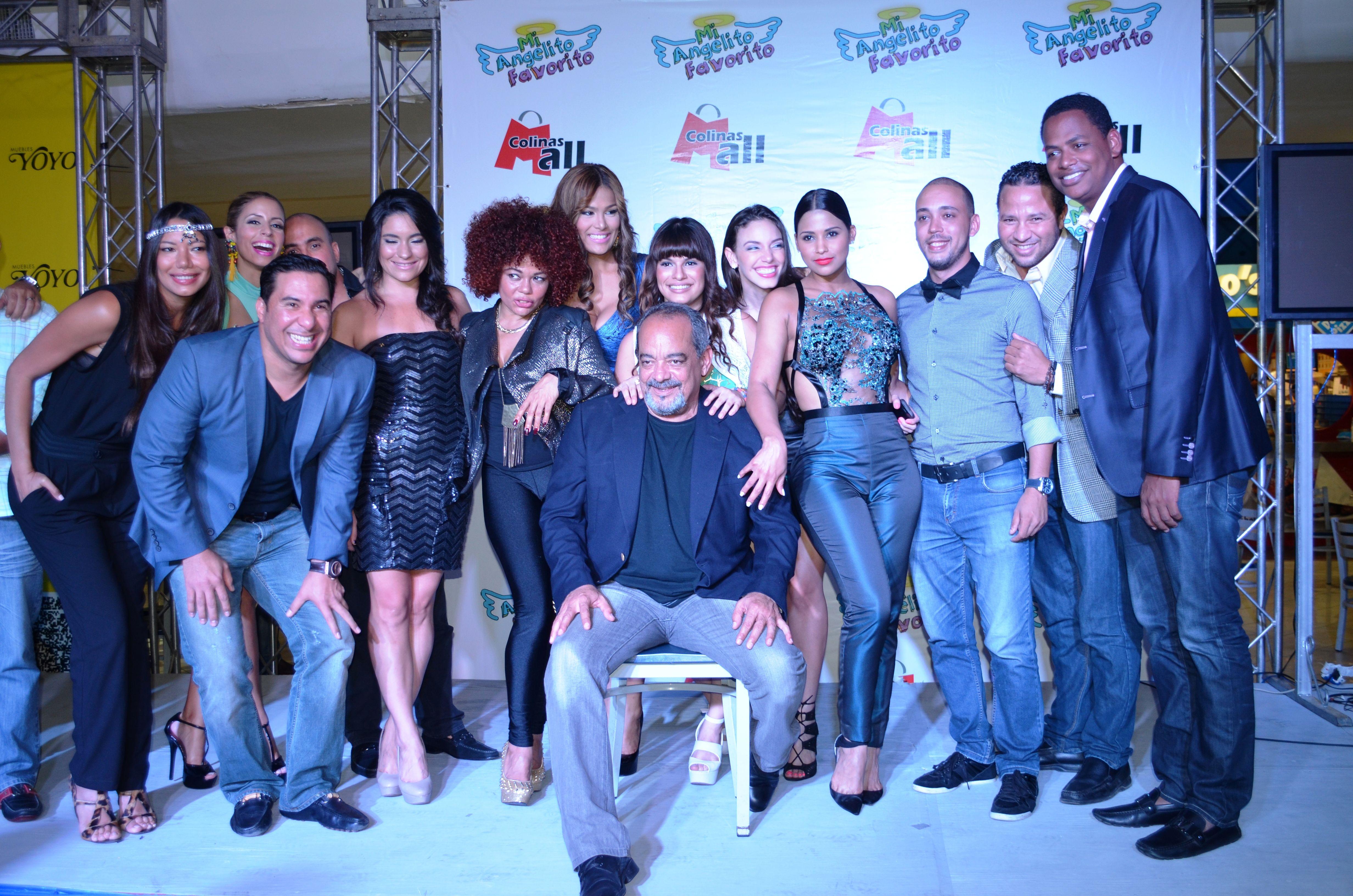 Pin By Muebles Yoyo On Events C Ctel Premier Pel Cula Mi  # Muebles Yoyo Santiago