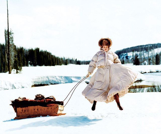 Wishing you a merry—and stylish—Christmas. @misskarenelson photographed by @arthurelgort, Vogue, October 1999.