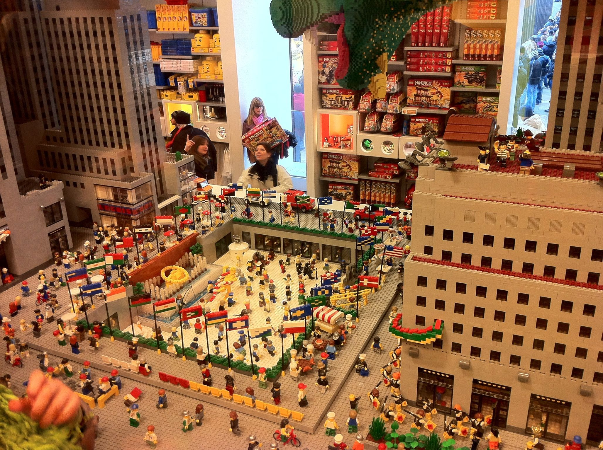 Lego Store Rockfeller Plaza Nyc Times Square New York Lego Store Dream Vacations