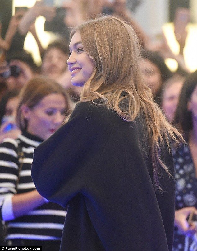 Gigi Hadid flanked by heavy security as she's mobbed at Dubai mall – gigi