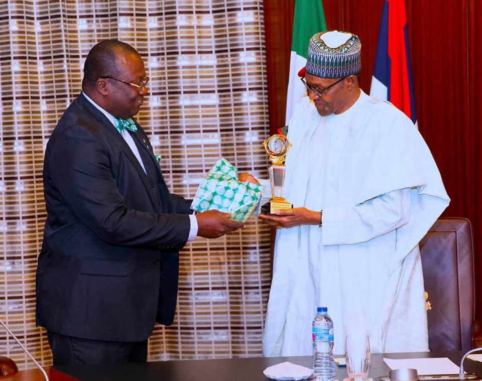 Photos Buhari Receives Members Of Nigerian Medical Association