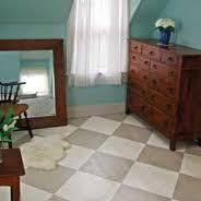 neutral checkerboard floor pattern