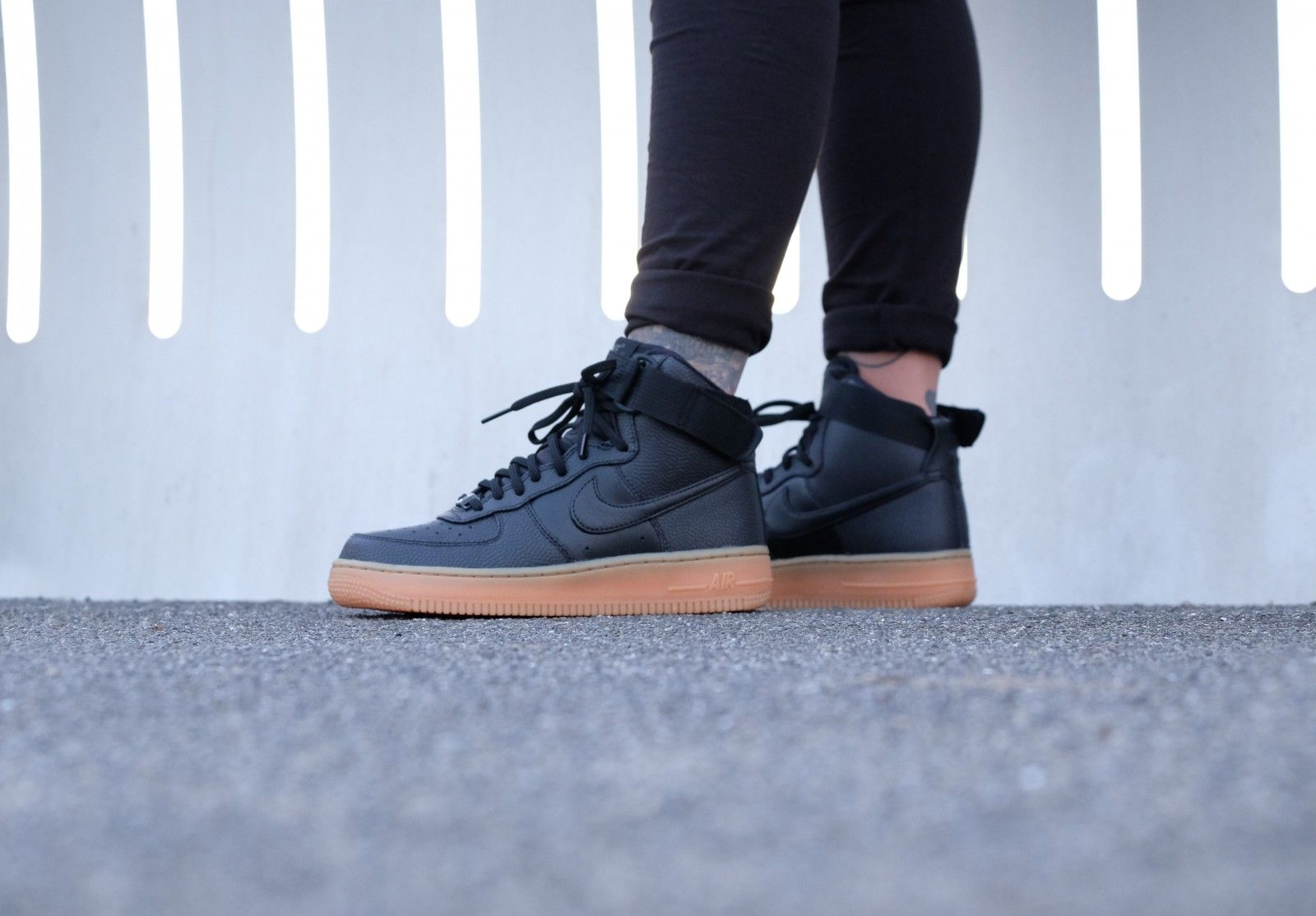 Nike Wmns Air Force 1 Hi SE - Black Dark Grey - 860544-002