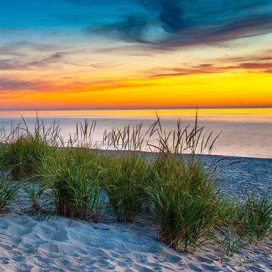 Honeymoon Places In Michigan: Beach In Grand Haven, Michigan