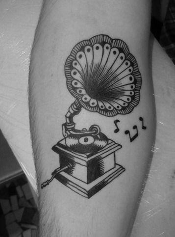 trendy gramophone noir et blanc tatouage dessin originale ...