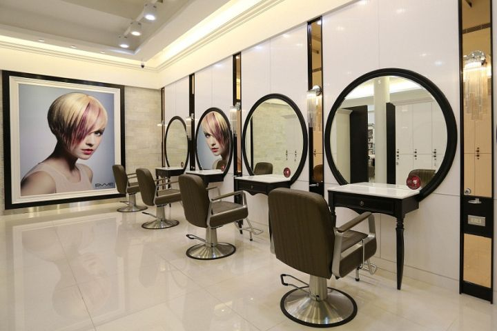 Happy hair salon by 90id taiwan retail design blog for Beauty parlour dressing table images