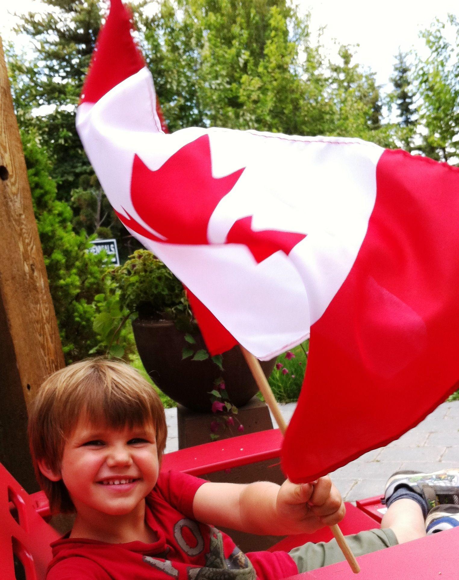 2011 Countryside Garden Centre Celebrates Canada With A 400 x 300