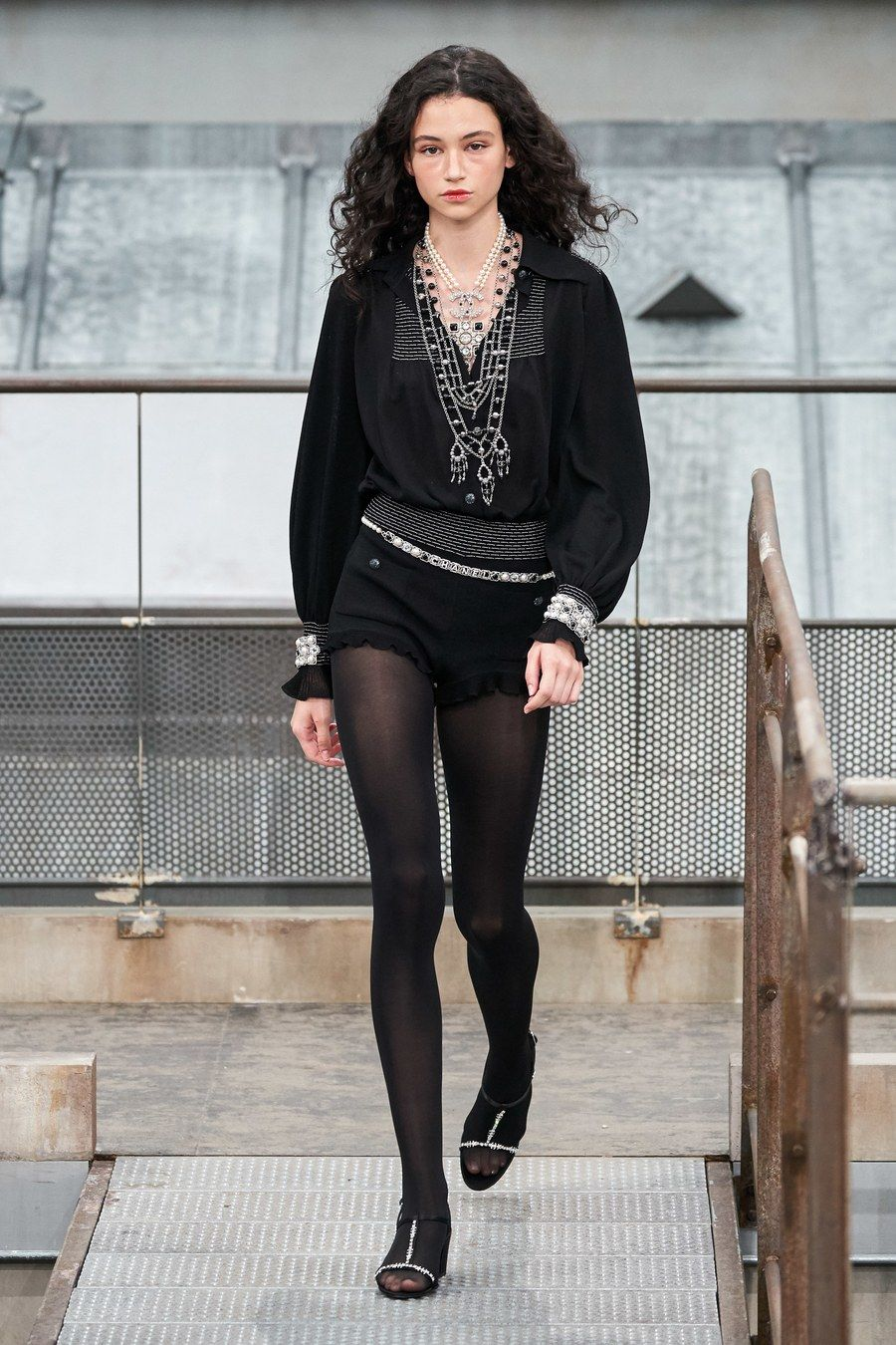 Chanel Spring 2020 ReadytoWear Fashion Show シャネル