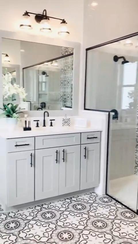 Photo of Beautiful Modern Farmhouse Bathroom Design