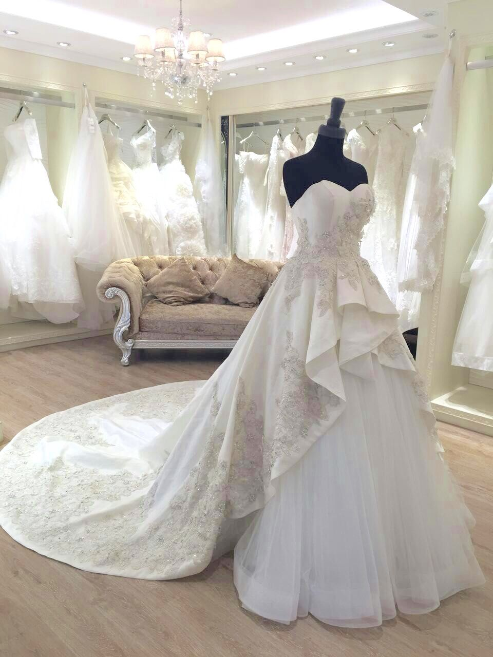 f5e668253d8 Wedding gown with silver details Event Planning