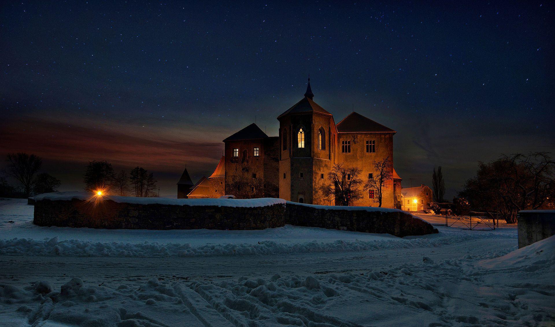 Na hradě je Popelčin bál - Švihov (hrad) – Wikipedie